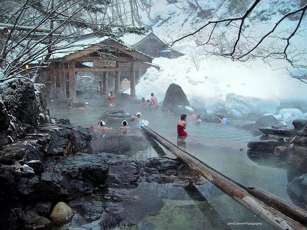 百年汤屋,千与千寻--群马温泉