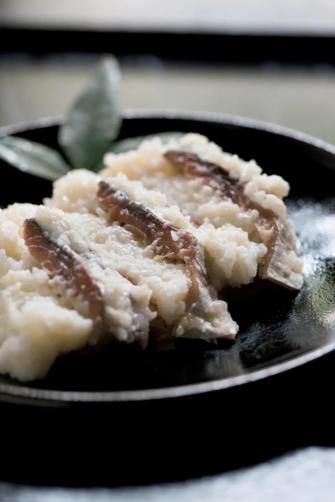寿司为什么吃起来酸酸的?