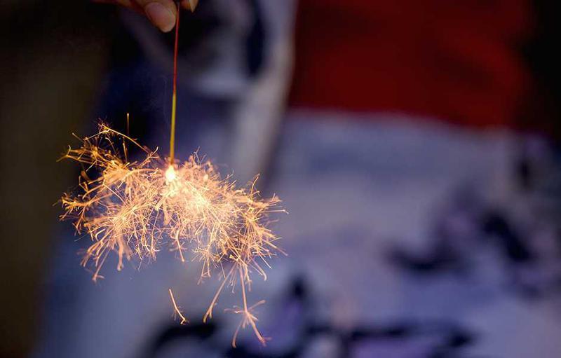 属于夏日的浪漫--线香花火 可以自己燃放的烟花